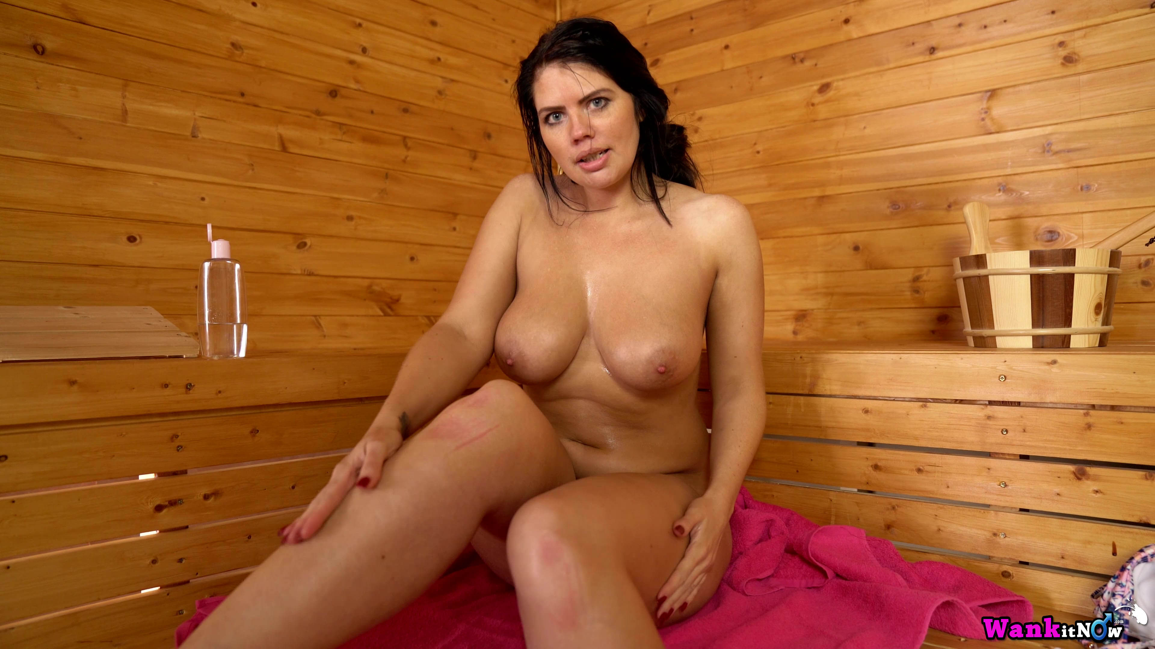 Horny Bristish Wanking For You